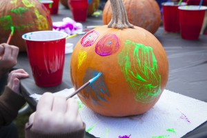 Pumpkin Painting This Saturday - Argyle Feed & Hardware